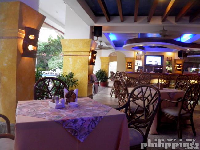 Pacific Breeze Hotel Restaurant