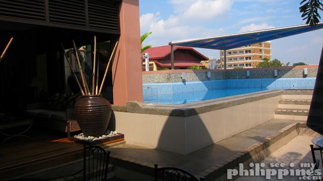 Affinity Hotel Pool Angeles City