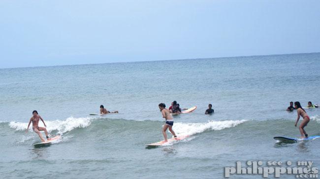 Surfista Travels Surfing
